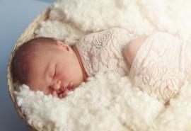 znaczenie snu Niemowlę dziewczynka